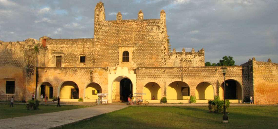 Valladolid-la-Sultane-de-lEst-Blog-TouraCancun-1140x530