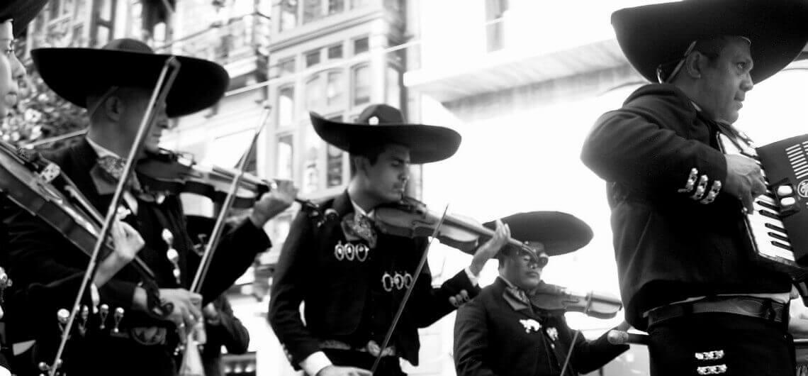 La-Musique-Mariachi-dans-le-Folklore-Mexicain-Blog-TouraCancun-1140x530
